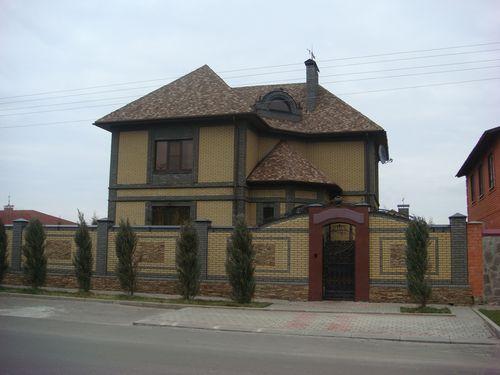 krasivaya_oblicovka_fasada_doma_kirpichom_10