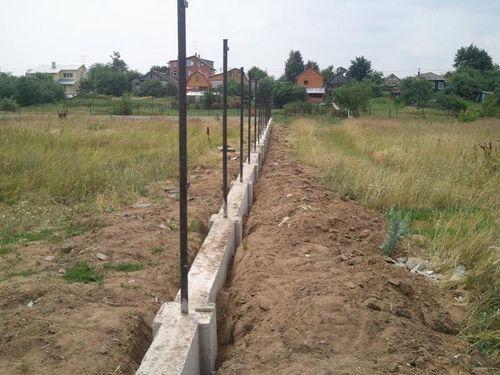 zalit_fundament_pod_zabor_iz_kirpicha_3